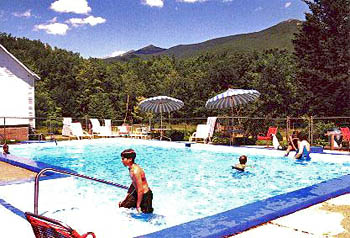 White Mountains Motel Swimming Pool in Summer